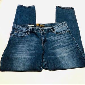 Kut from the Kloth Kathy Boyfriend Jeans       264